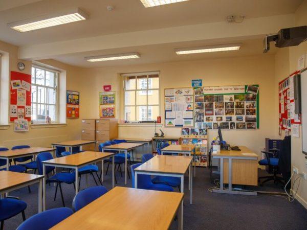Ljetna škola engleskog jezika PLUS Loretto, Edinburgh za dob 10 - 17 godina