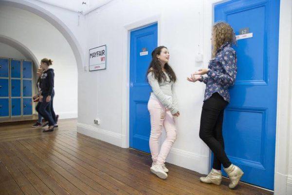 Zimska škola engleskog jezika Bell St Albans London 6.1. - 12.1.2019. za uzrast 11 - 17 godina