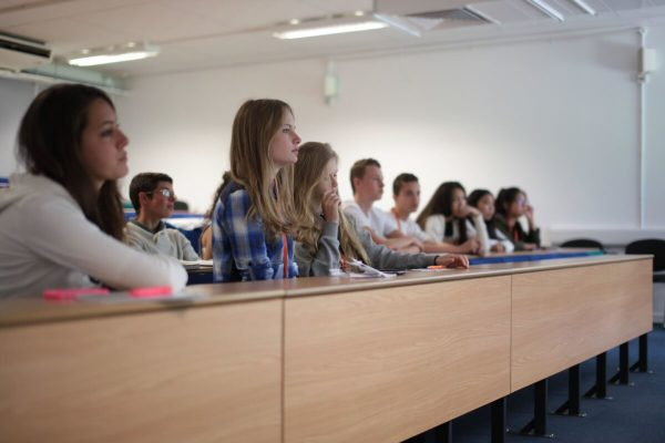 Ljetna škola engleskog jezika Oxford Spires za dob od 10 do 17 godina