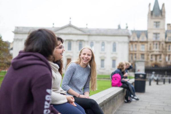 Škola engleskog jezika EC Cambridge za uzrast 13 - 17