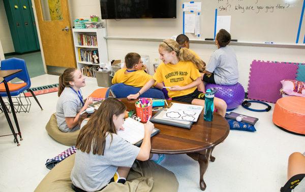 Srednja škola: Boarding school - Randolph Macon Academy, SAD